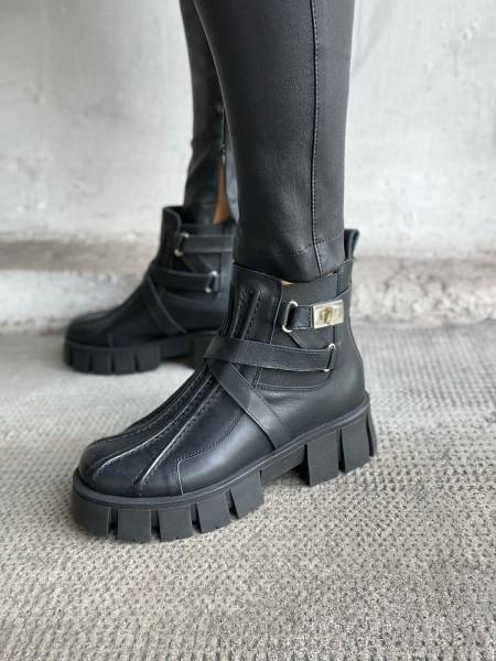 L`ESTROSA Plateau-Ankle Boots